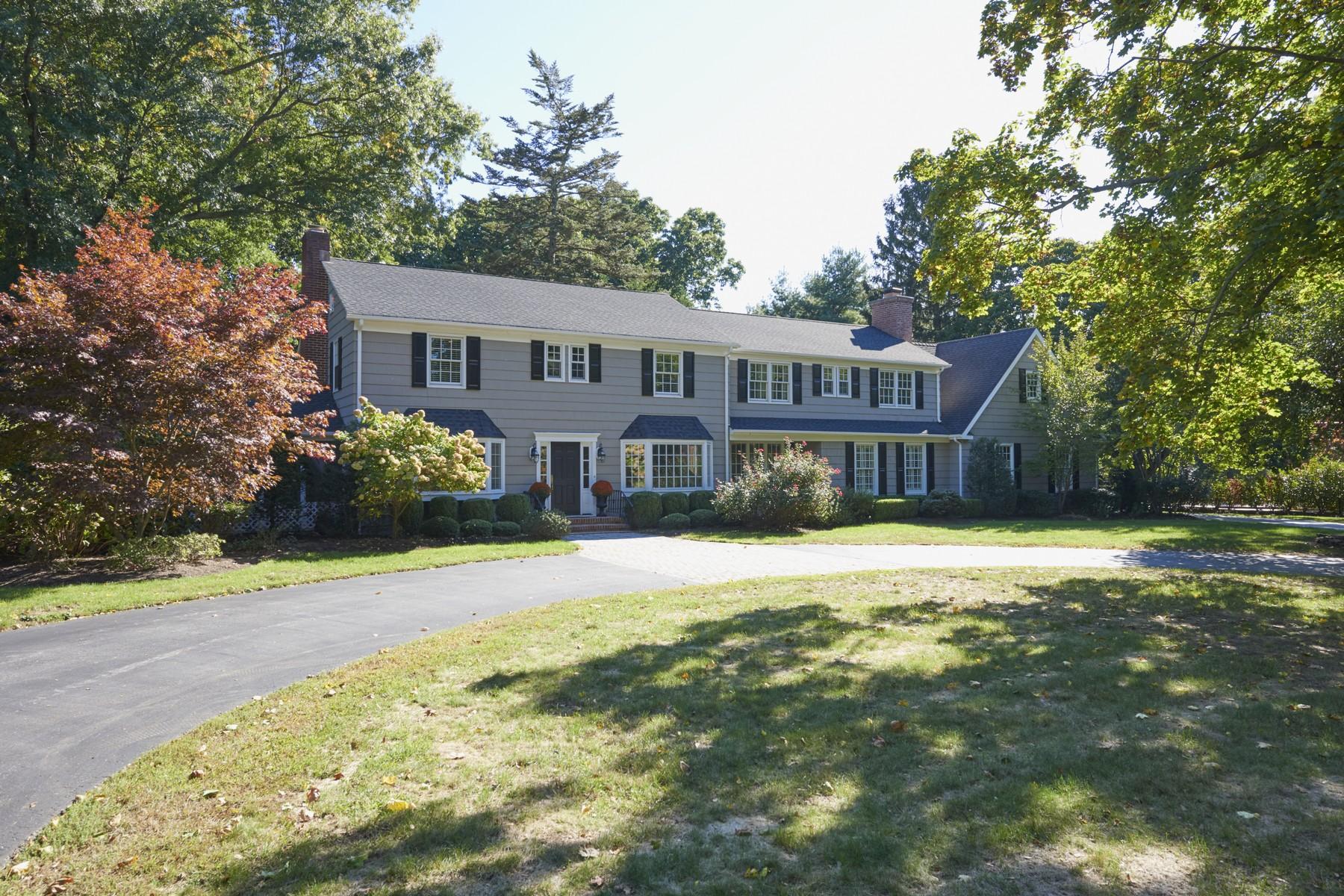Частный односемейный дом для того Продажа на Charming House 7 Buena Vista Ave Rumson, Нью-Джерси, 07760 Соединенные Штаты