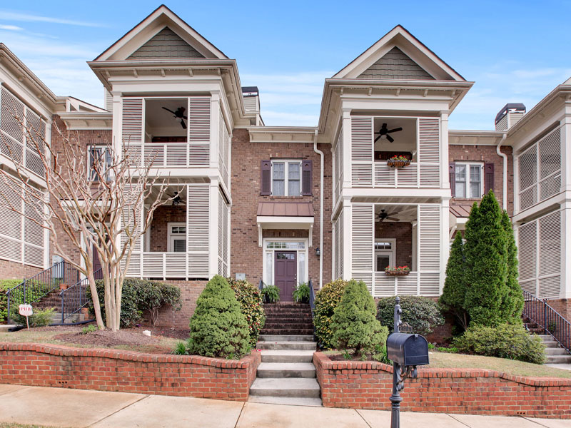 联栋屋 为 销售 在 Beautiful Townhome in Olmstead 442 Carter Avenue Atlanta, 乔治亚州 30317 美国