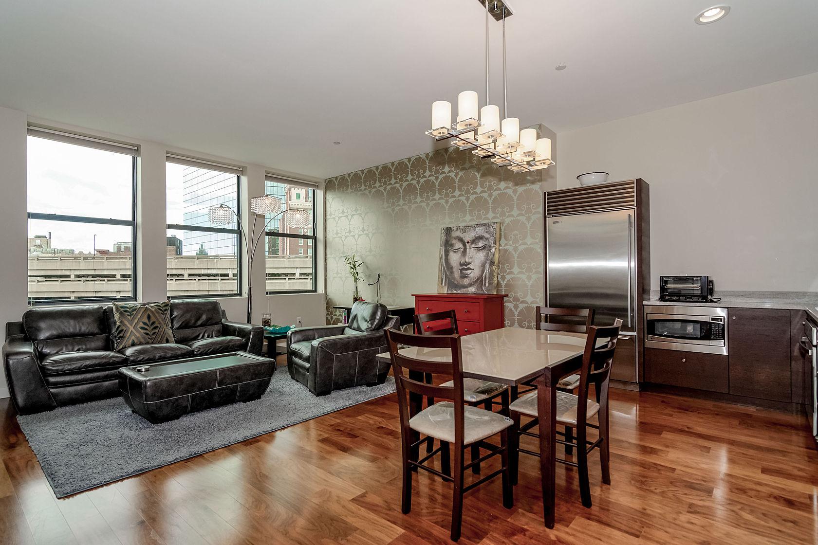Condominium for Sale at Luxury Retreat in the Heart of the City 285 Columbus Avenue U:702 Back Bay, Boston, Massachusetts 02116 United States