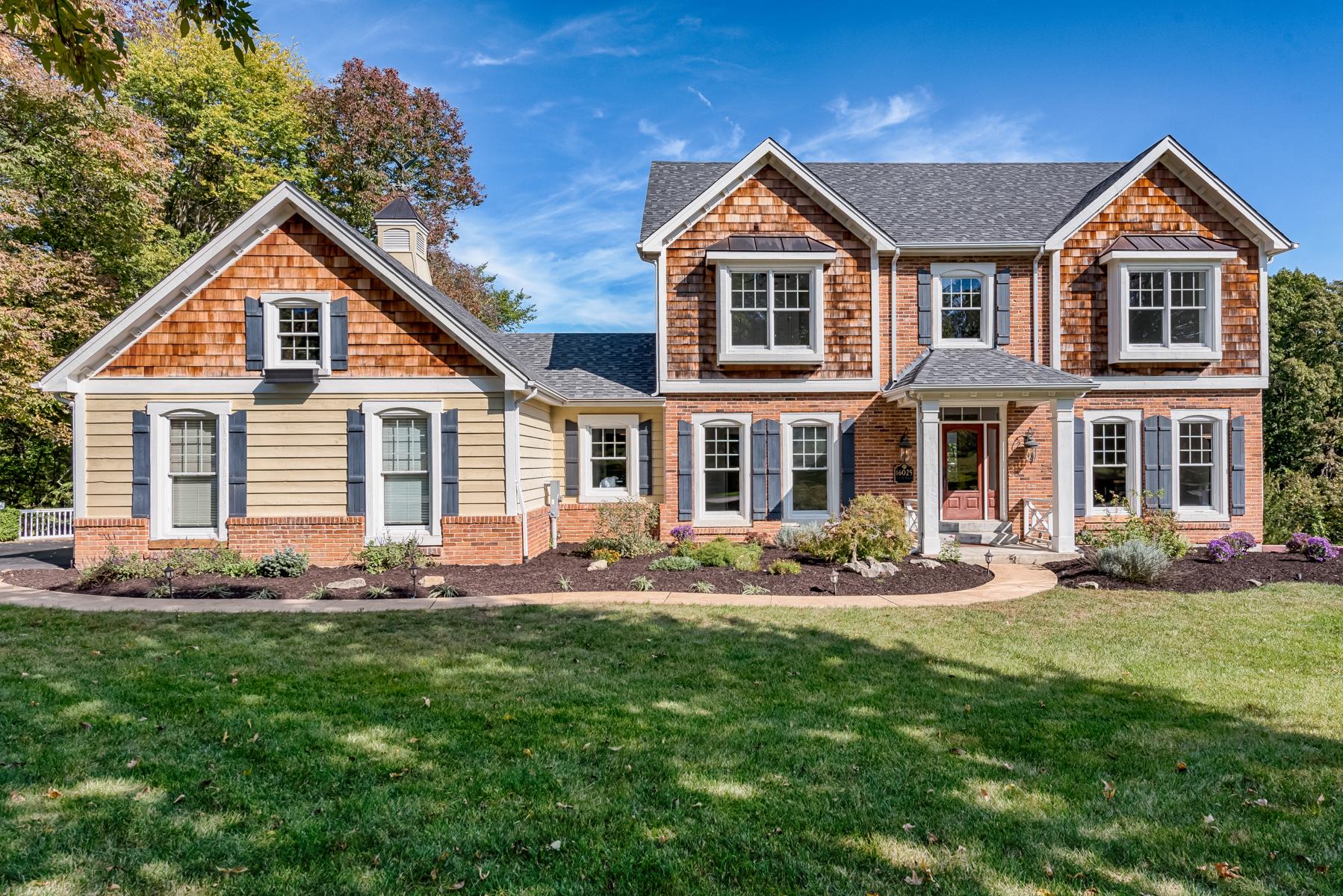 Maison unifamiliale pour l Vente à Wilson Manor Dr 16025 Wilson Manor Dr Chesterfield, Missouri, 63005 États-Unis
