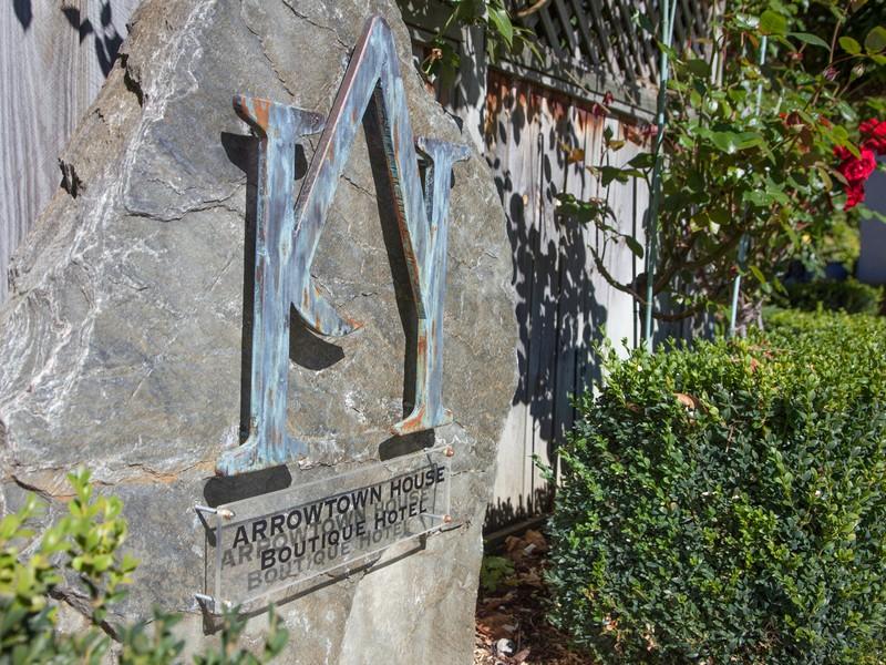 Property Of 10 Caernarvon Street