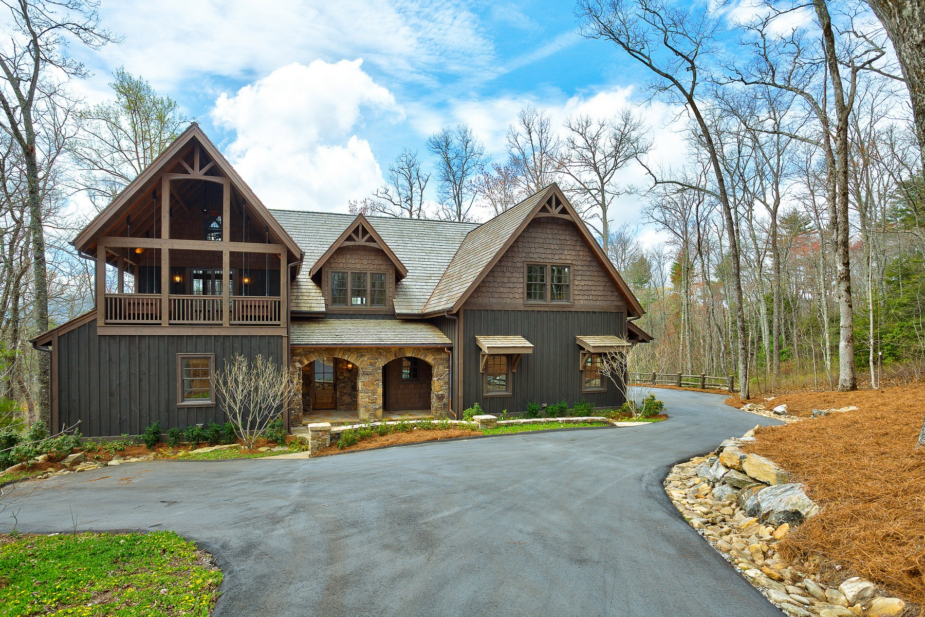 sales property at 110 Gin House Creek