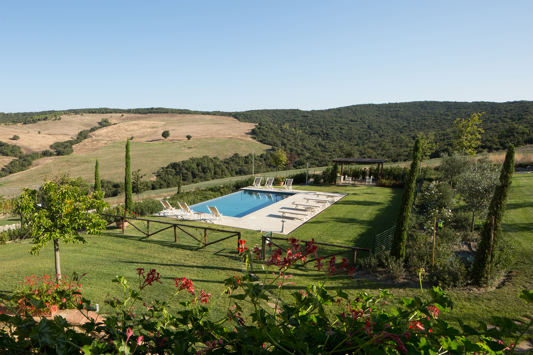 Additional photo for property listing at Charming Retreat near Casole d'Elsa and Volterra  Casole D Elsa, Siena 53031 Italien