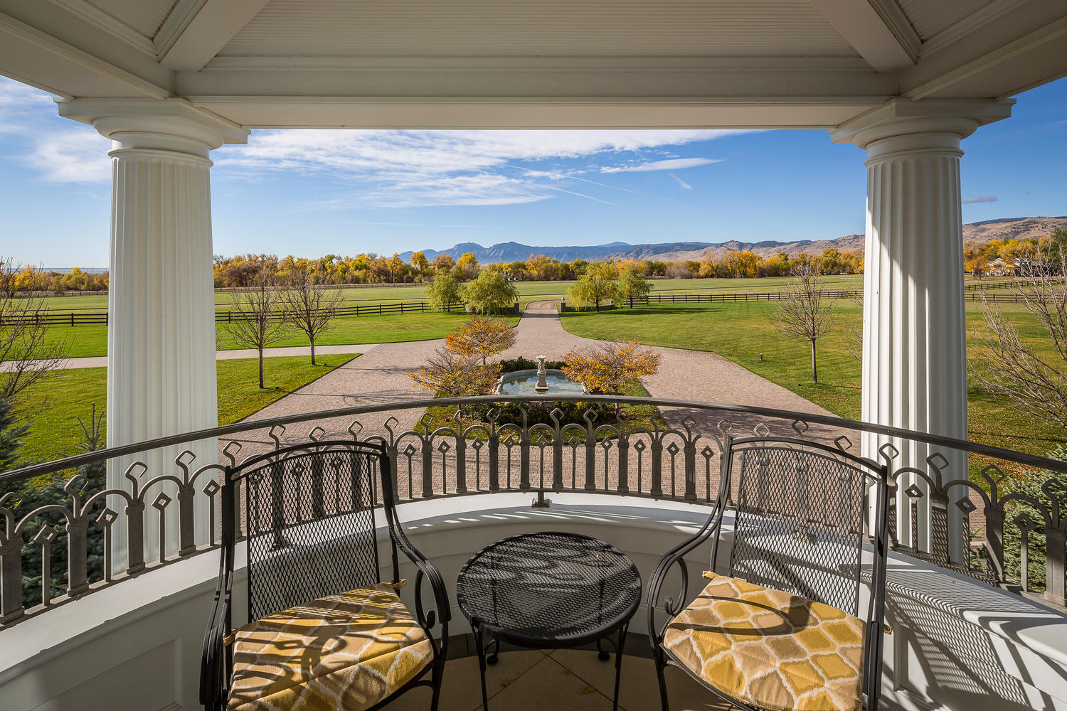Additional photo for property listing at Finest Residential and Recreational Estate for sale on Colorado's Front Range 7484 North 49th Street Longmont, Colorado 80503 United States