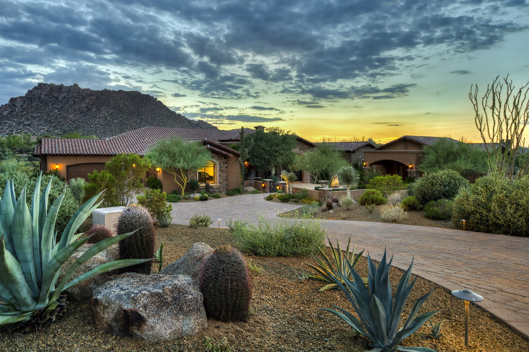 獨棟家庭住宅 為 出售 在 Sprawling Tuscan Estate with Sweeping Mountain Views in Gated Collina e Vista 11609 E Quartz Rock Rd Scottsdale, 亞利桑那州 85255 美國