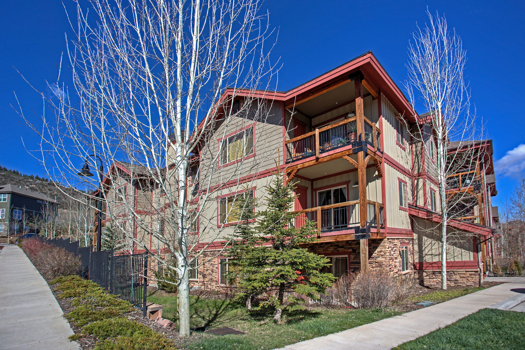 Condominium for Sale at Updated Top Floor Condo at Bear Hollow Lodges 5501 Lillehammer Ln #4407 Park City, Utah, 84098 United States