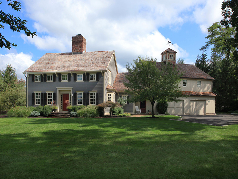 Maison unifamiliale pour l Vente à Classic Hedgerow Colonial 1 Barberry Row Chester, New Jersey 07930 États-Unis