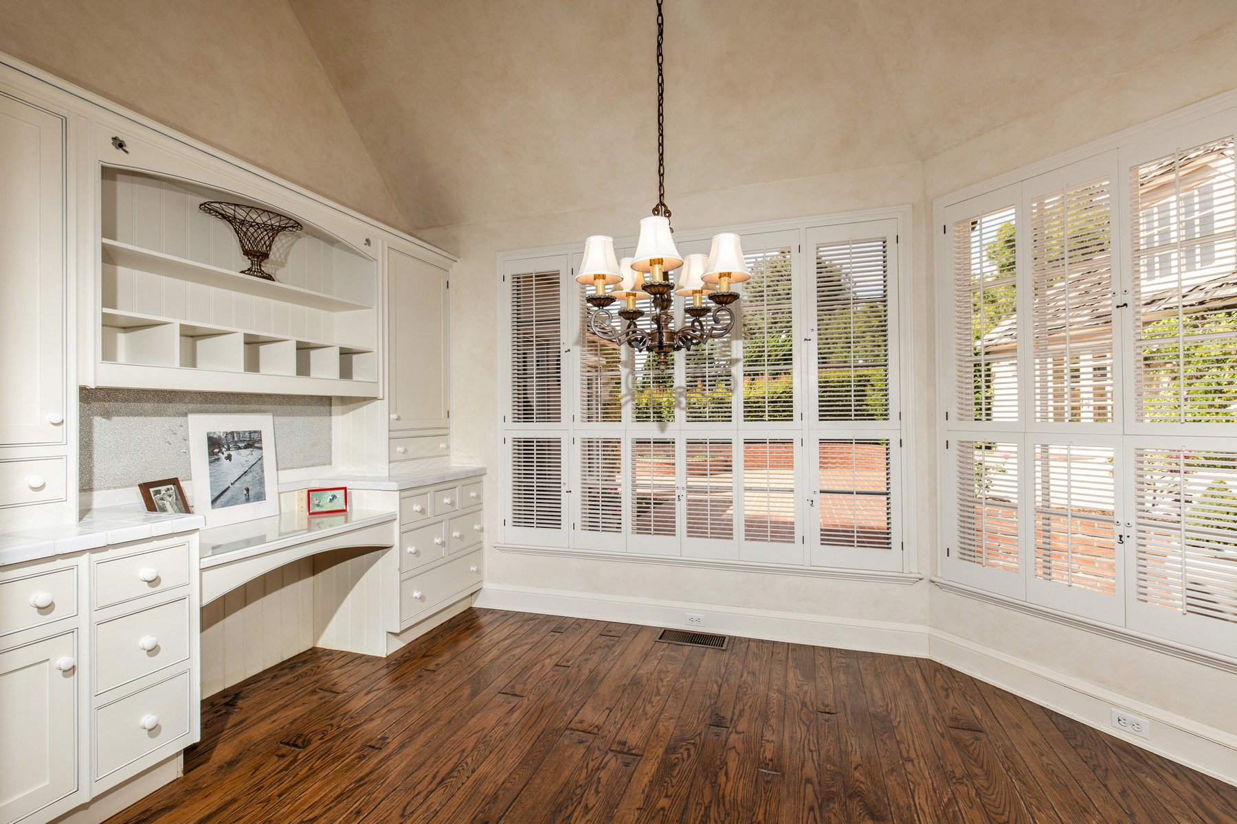 Additional photo for property listing at 6325 Muirlands Drive  La Jolla, California 92037 Estados Unidos
