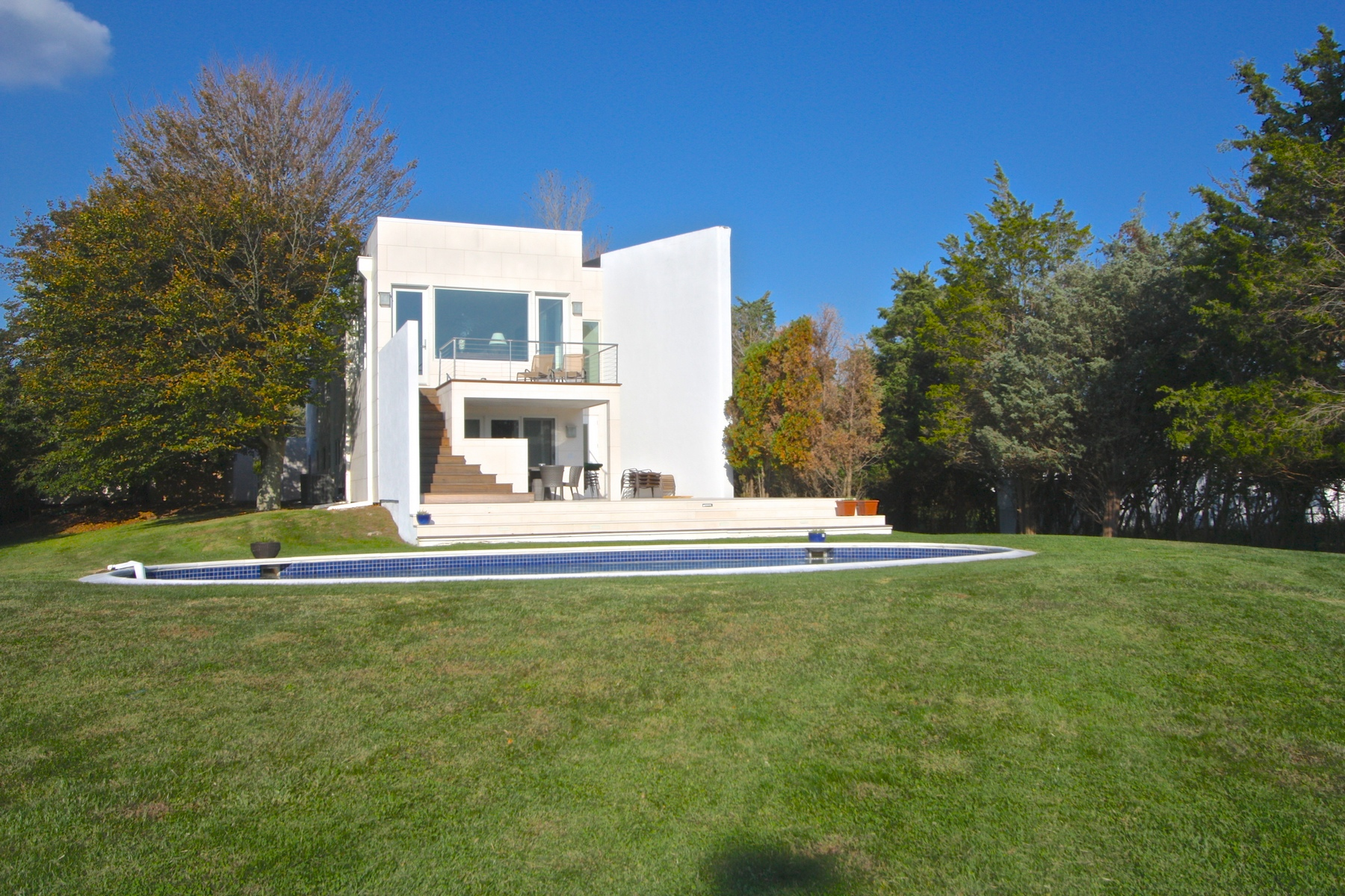 Property Of Exquisite High End Contemporary, WHB