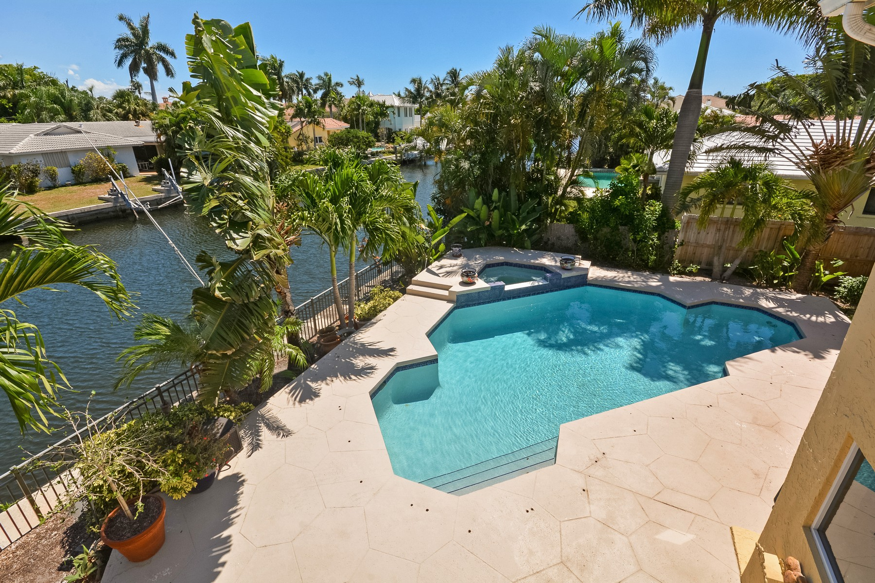 Property For Sale at 923 Dogwood Dr , Delray Beach, FL 33483