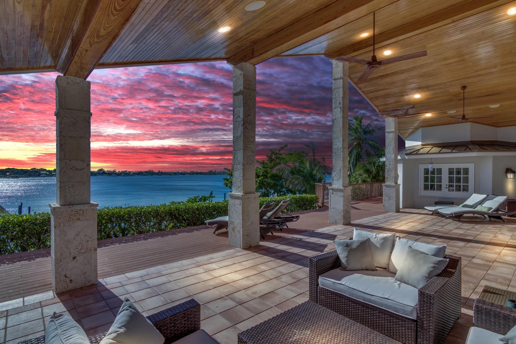 Частный односемейный дом для того Продажа на 137 S River Road Stuart, Флорида, 34996 Соединенные Штаты