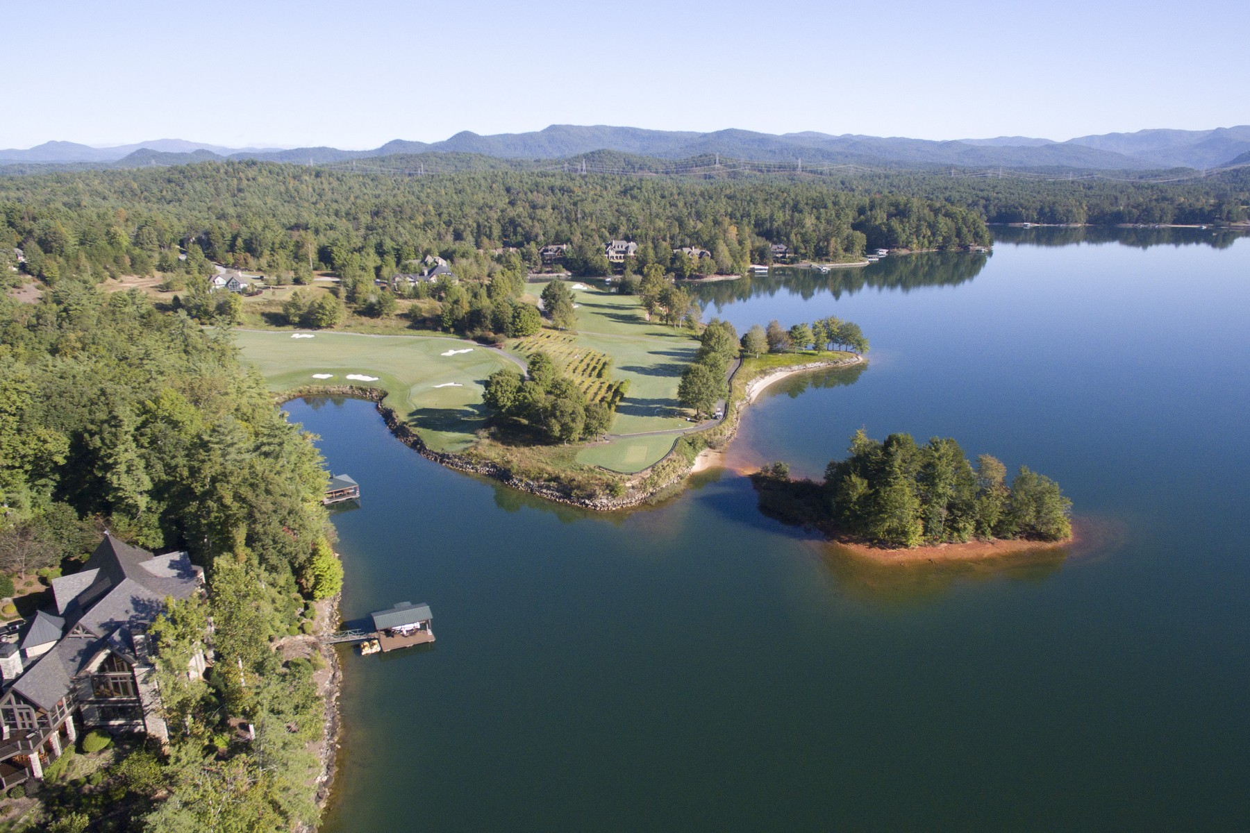 Single Family Home for Sale at Outstanding Lakeside Retreat With Breathtaking Views From a Superb Peninsula 107 Nine Bark Way Sunset, South Carolina 29685 United States