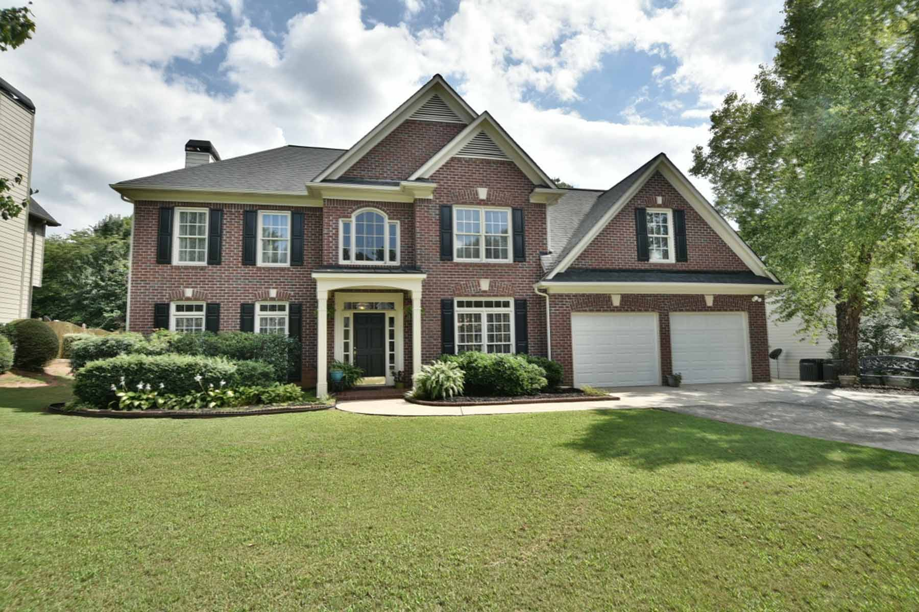 独户住宅 为 销售 在 Ideal Backyard in Active Swim/Tennis Community! 245 Devon Mill Court Johns Creek, 乔治亚州, 30005 美国