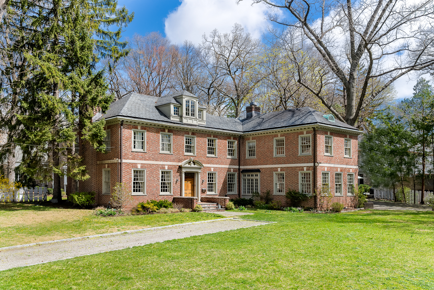 獨棟家庭住宅 為 出售 在 Magnificent Georgian in Fieldston 4524 Greystone Avenue Riverdale, 紐約州, 10471 美國