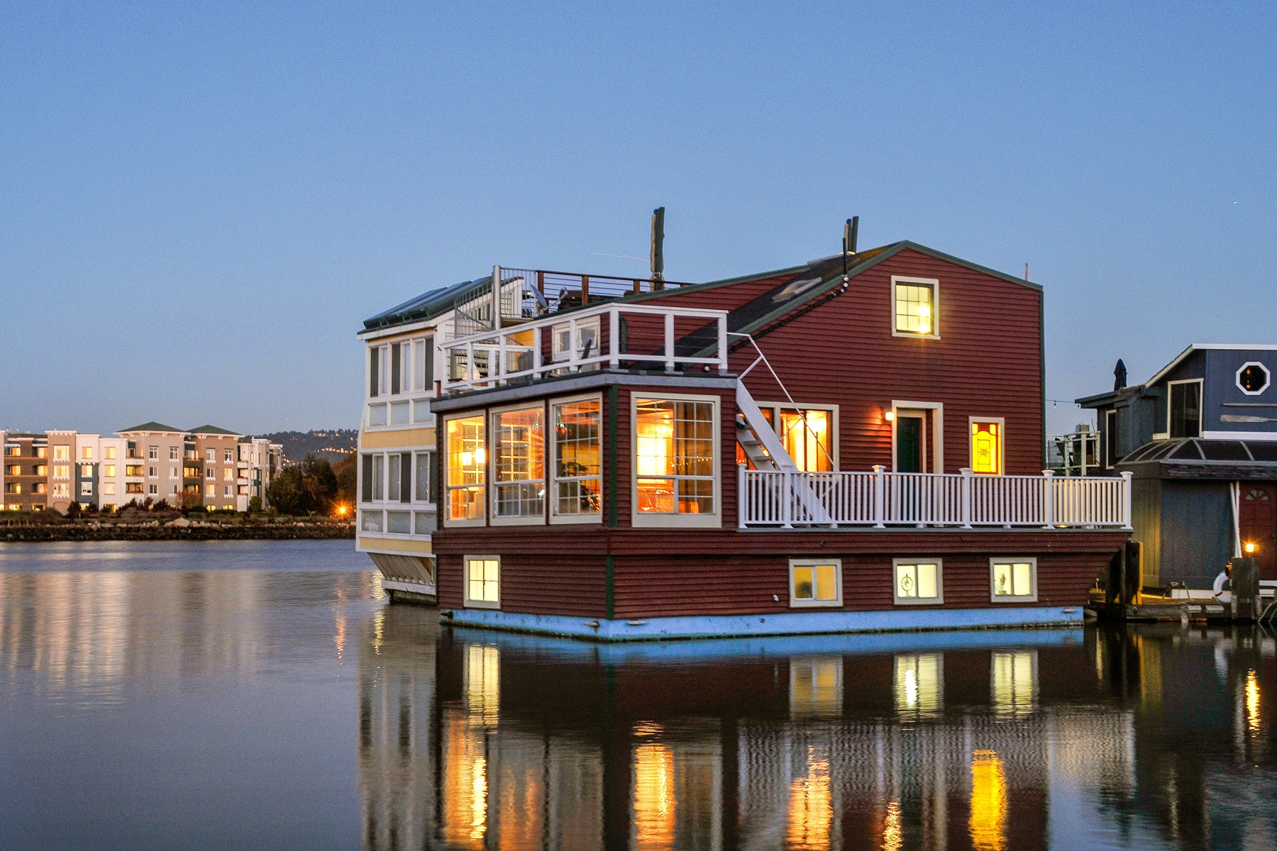 Property For Sale at Rustic-Chic Floating Home In Alameda