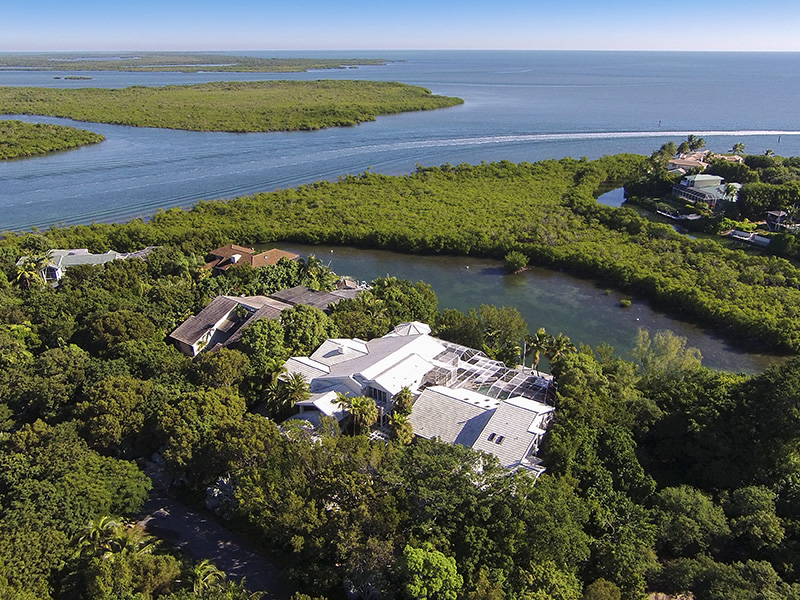 Maison unifamiliale pour l Vente à Florida Keys Retreat at Ocean Reef 40-42 Cardinal Lane Ocean Reef Community, Key Largo, Florida 33037 États-Unis