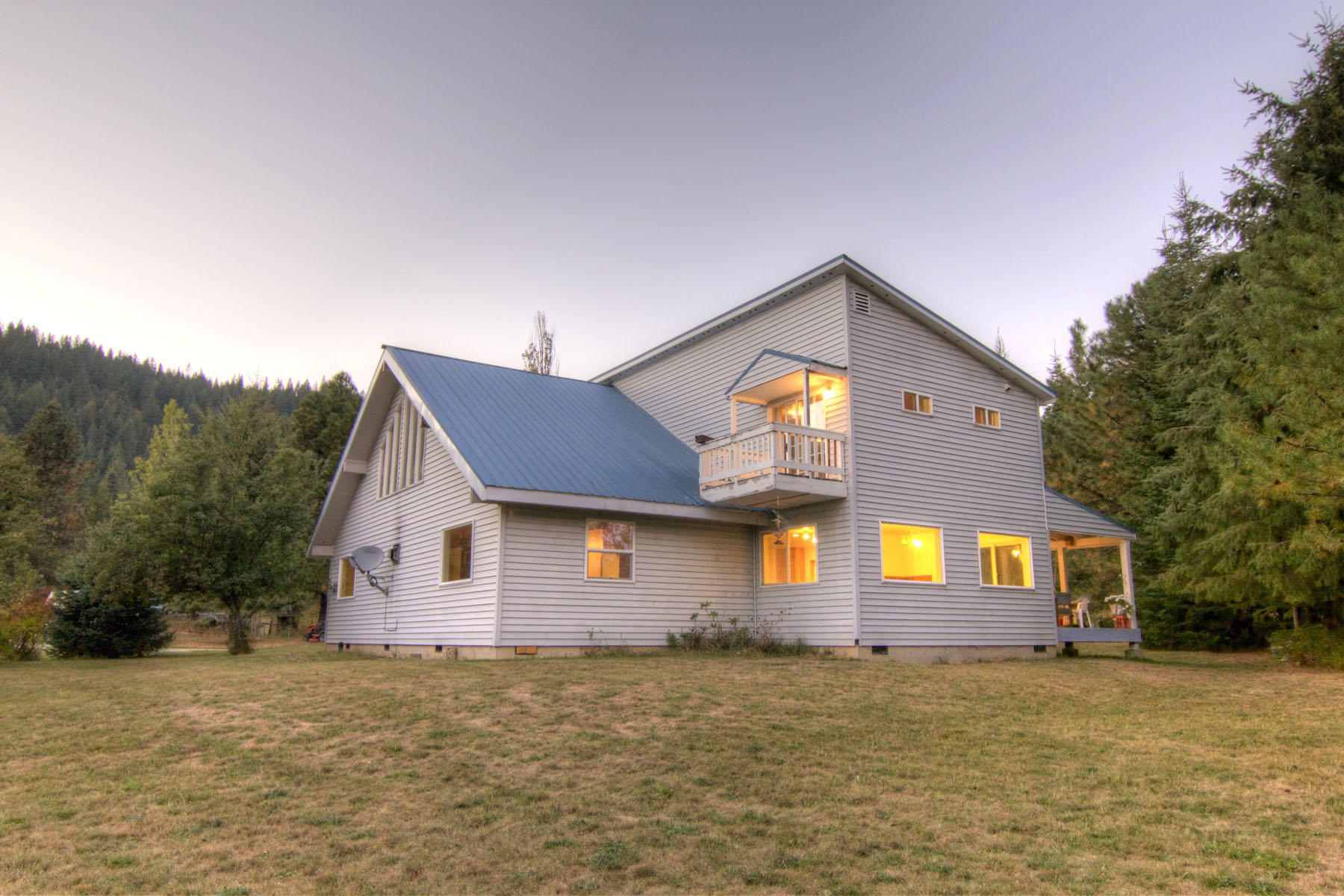 Single Family Home for Sale at Spacious Living on Nearly 4 Park-like Acres 24557 Highway 2 Dover, Idaho 83825 United States