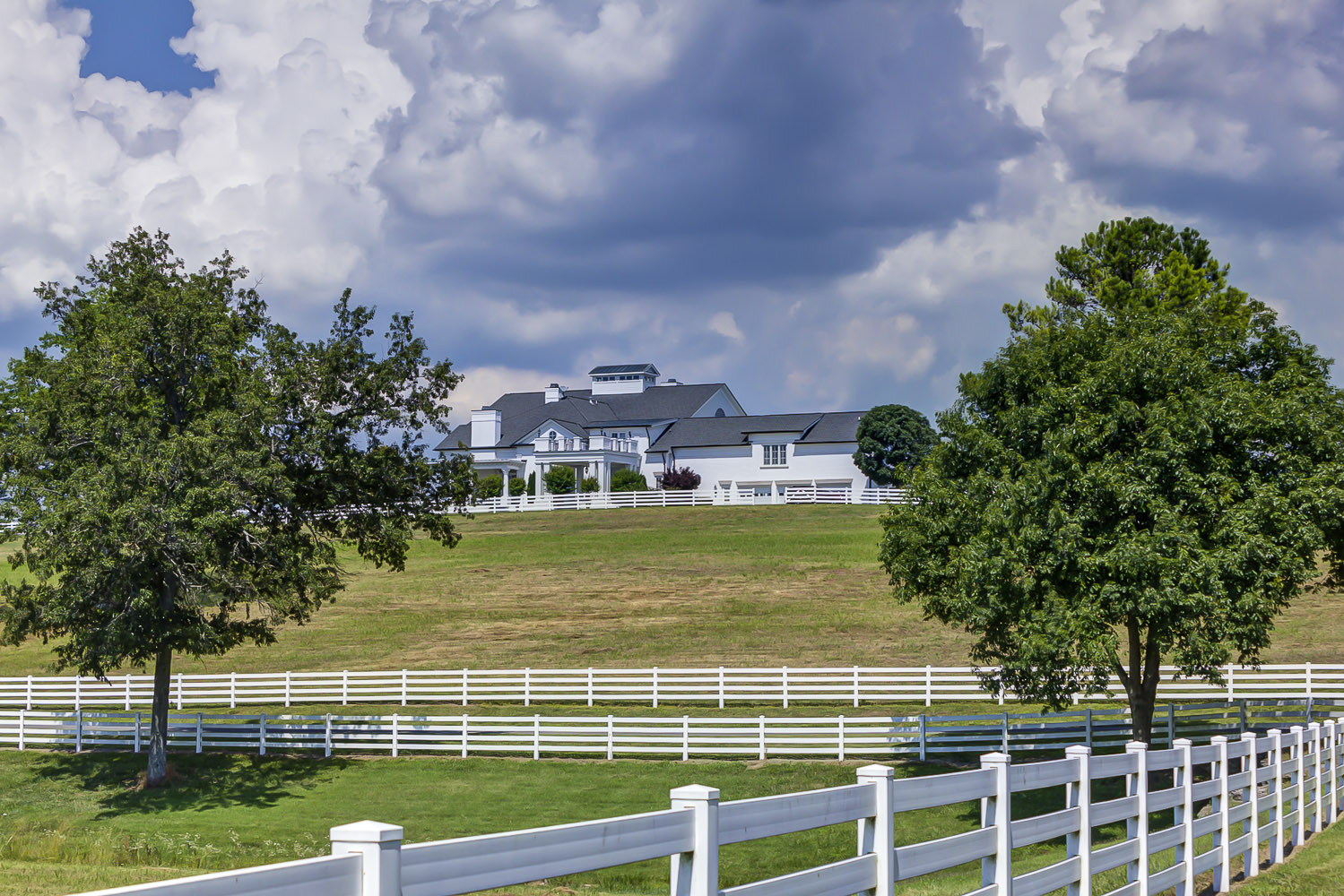 sales property at Gorgeous Franklin Estate On 700 Acres