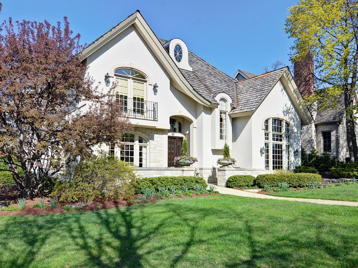 Частный односемейный дом для того Продажа на 305 W. Walnut Hinsdale, Иллинойс 60521 Соединенные Штаты