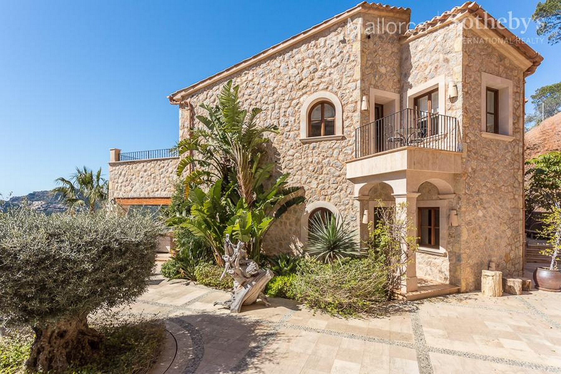 Property Of Spacious Mallorquin Style Villa in Port Andratx