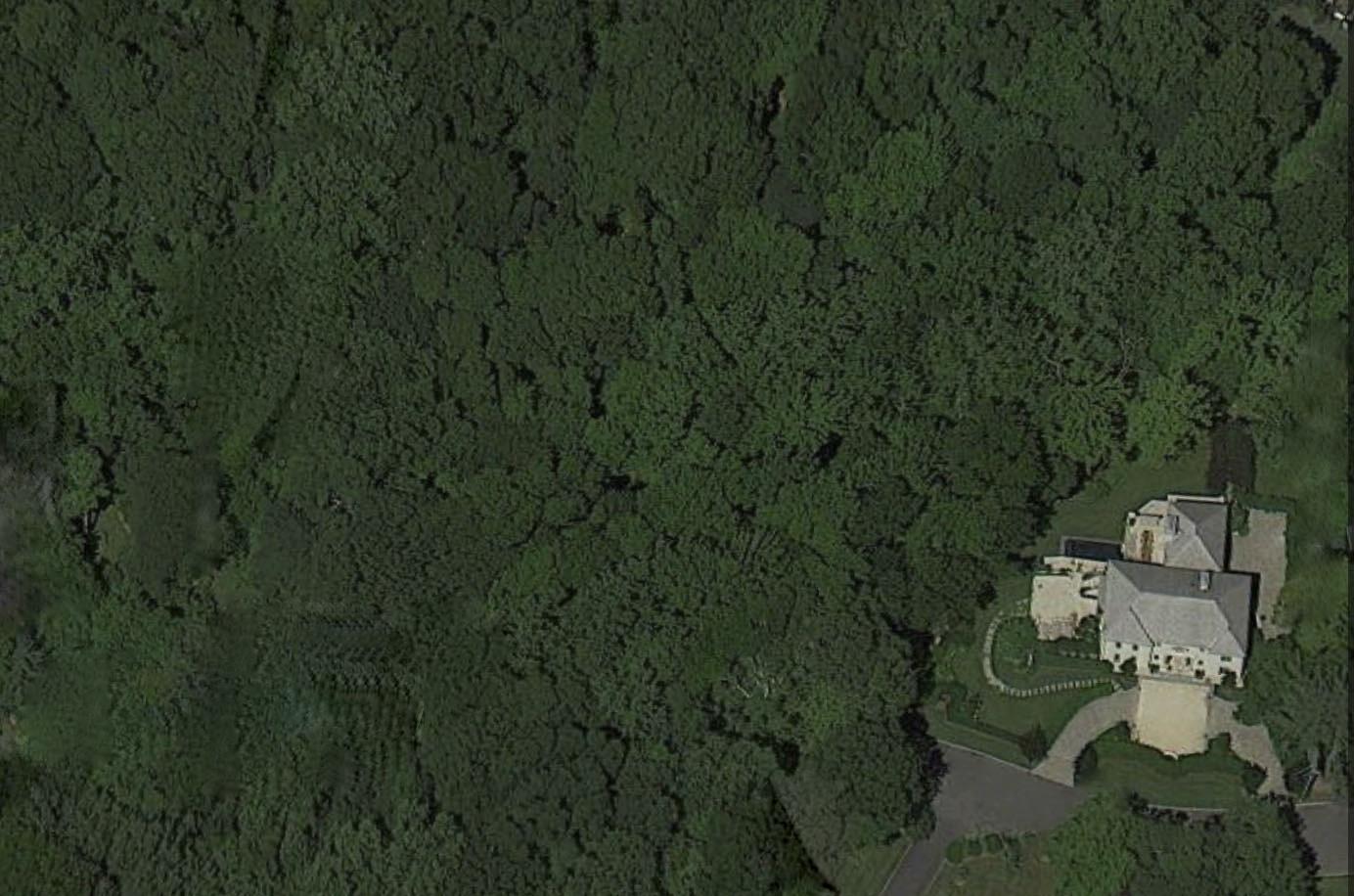 "Property Of ""A Woodlands Retreat"""