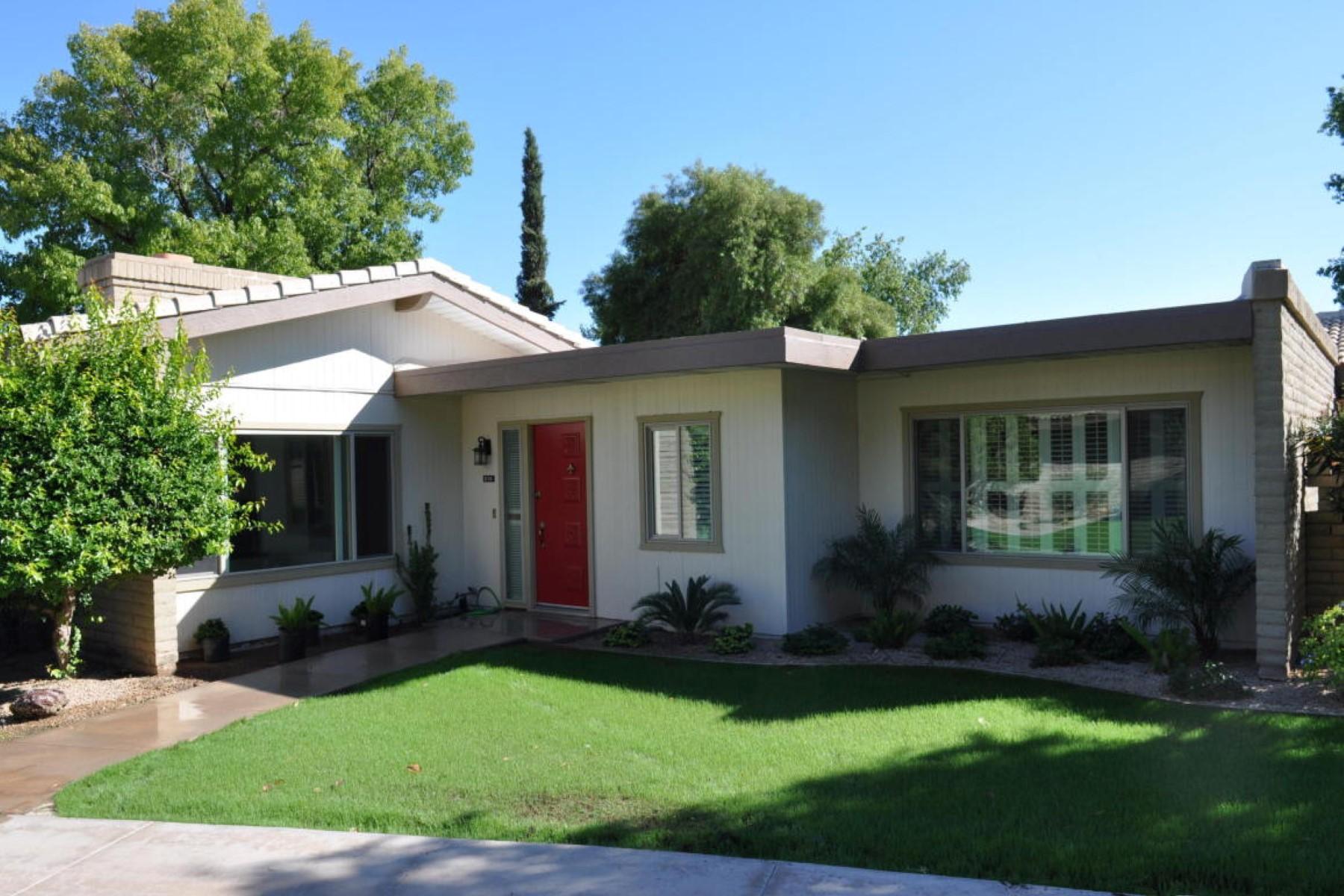 联栋屋 为 销售 在 Completely remodeled contemporary home 4800 N 68th St 215 Scottsdale, 亚利桑那州 85251 美国