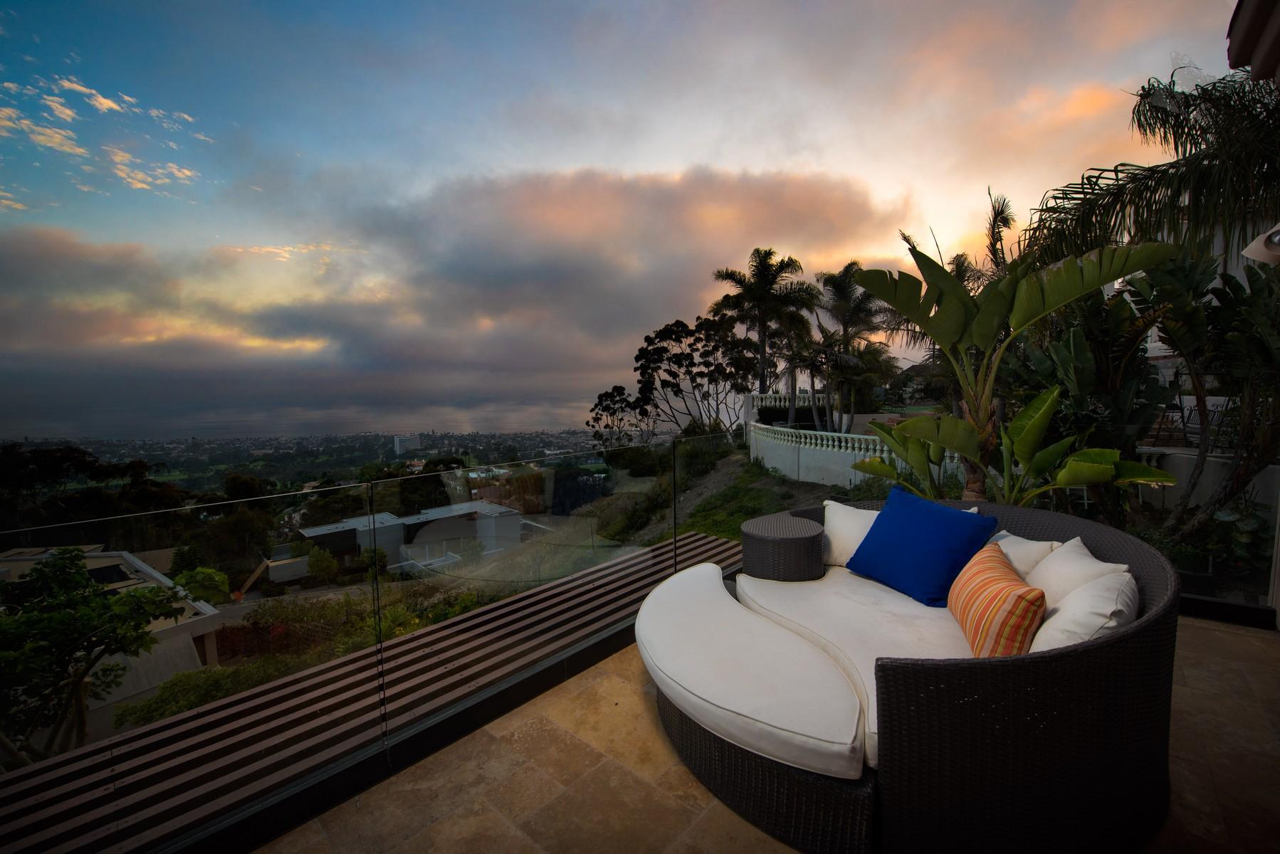 Additional photo for property listing at 7240 Encelia Drive  La Jolla, California 92037 Estados Unidos