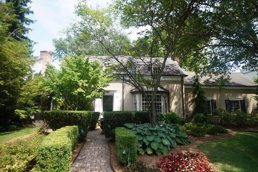Nhà ở một gia đình vì Bán tại Birmingham 777 Pleasant Street Birmingham, Michigan, 48009 Hoa Kỳ