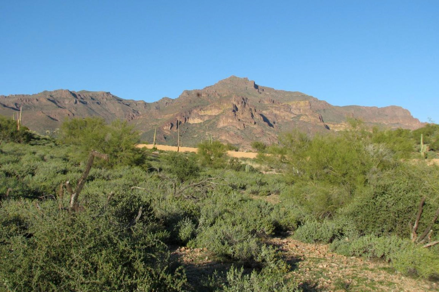 Terreno por un Venta en .93 Acres Lot In The Private Gated Luxury Golf Community Of Superstition Mounta 3272 S Petroglyph Trail #27 Gold Canyon, Arizona, 85118 Estados Unidos
