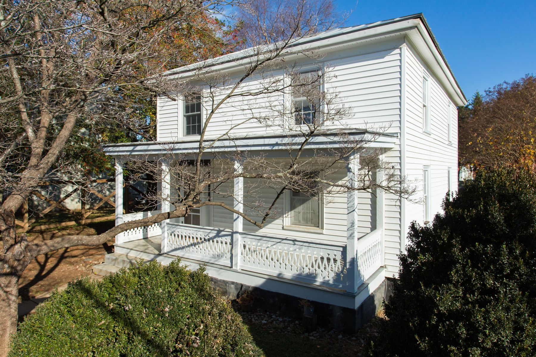 Single Family Home for Sale at 850 West Street Charlottesville, Virginia 22902 United States