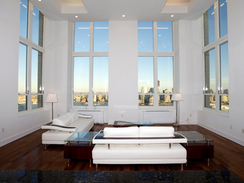 共管物業 為 出售 在 Penthouse with Private Terrace at TRUMP! 88 Morgan Street #PH7 Jersey City, 新澤西州 07302 美國
