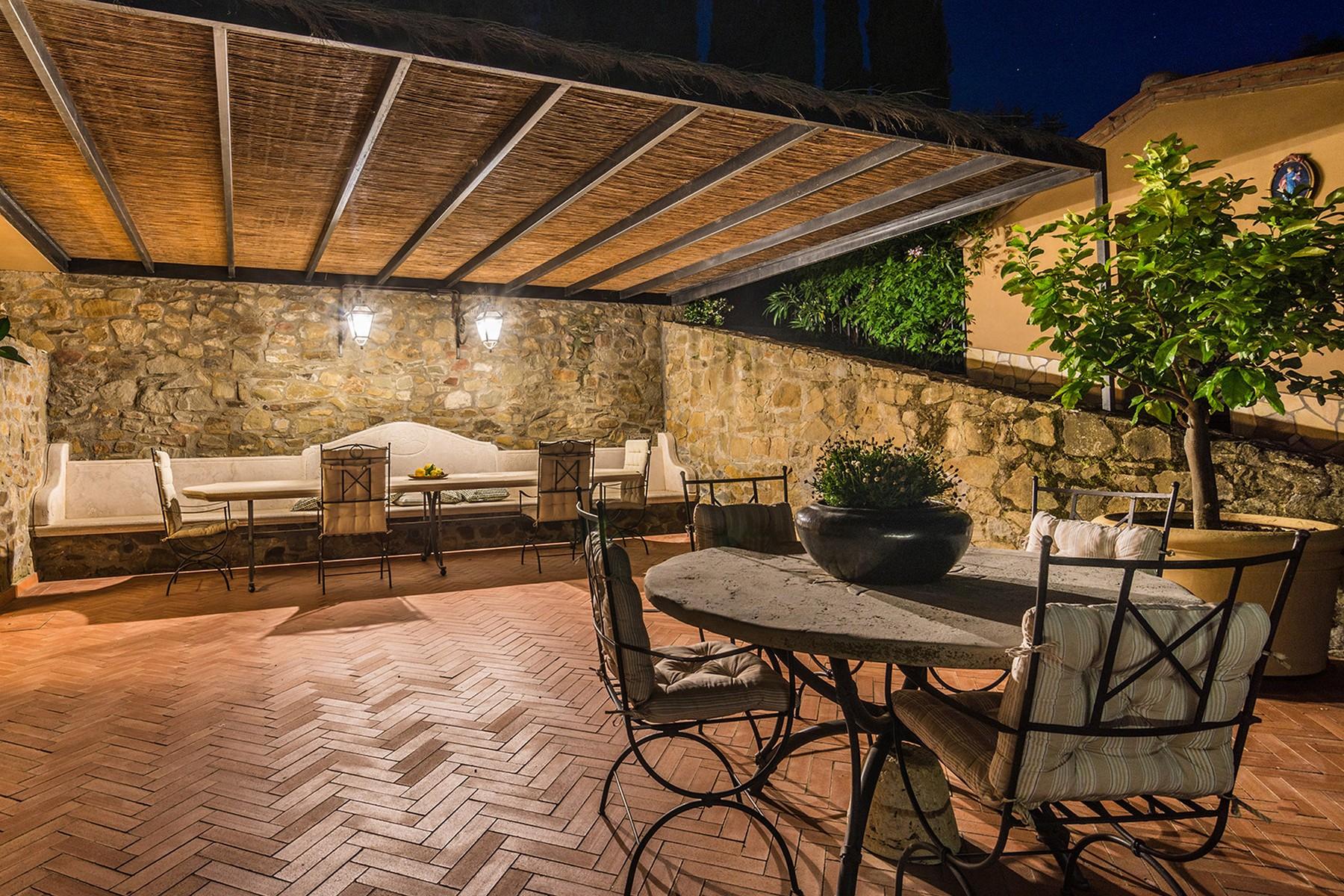 Additional photo for property listing at Inspiring Tuscan Estate with vineyards Località Poggio al Santino Castiglione Della Pescaia, Grosseto 58043 Italy
