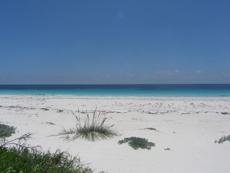Additional photo for property listing at Prime Windermere Beachfront Property Windermere Island, Eleuthera Bahamas