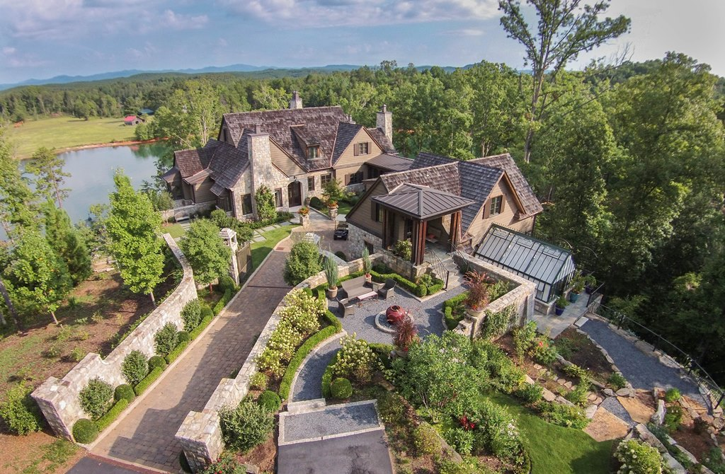 Einfamilienhaus für Verkauf beim Panoramic Views, Architectural Perfection Punctuate this Waterfront Home 336 Piney Woods Trail The Cliffs At Keowee Springs, Six Mile, South Carolina 29682 Vereinigte Staaten