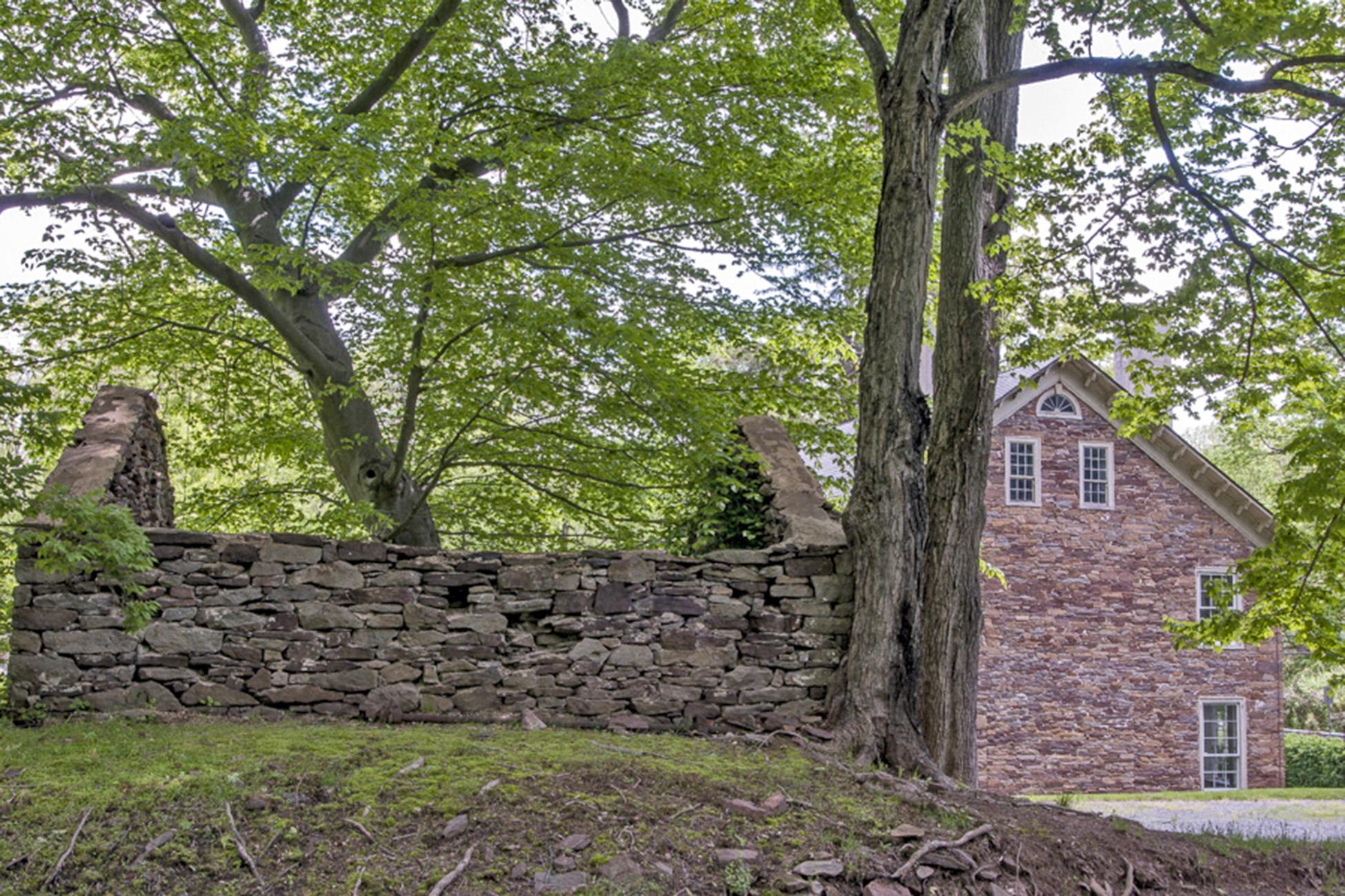 Property Of Stone Bank Barn - Circa 1741