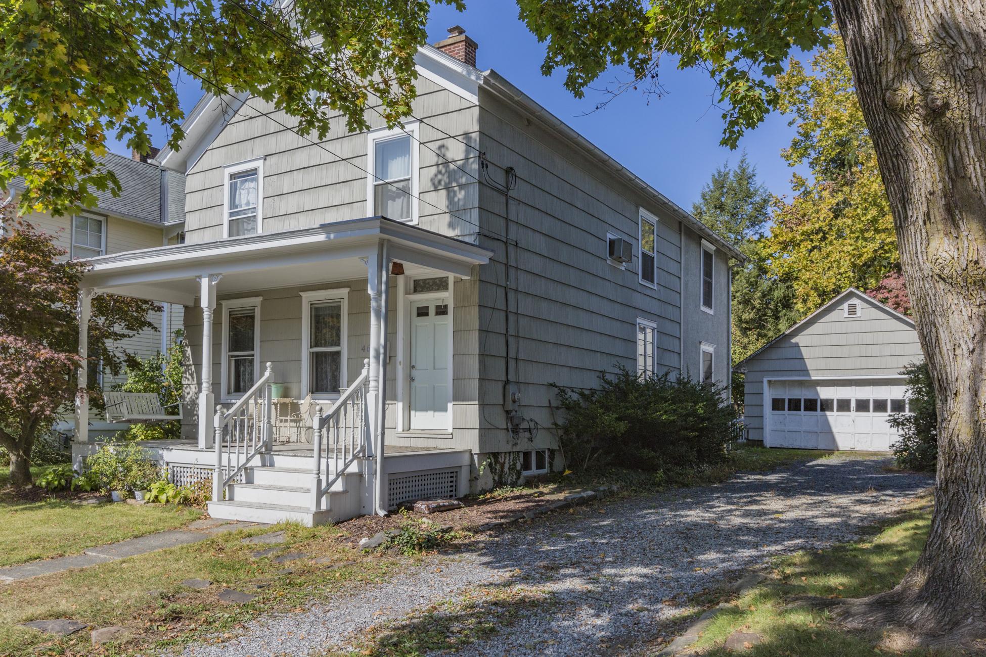 Maison unifamiliale pour l Vente à A Vintage Vibe In A Vibrant Community 46 Model Avenue Hopewell, New Jersey, 08525 États-Unis