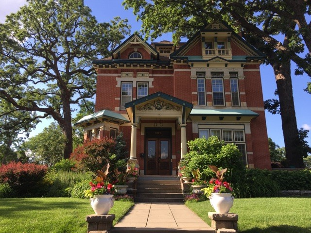 단독 가정 주택 용 매매 에 Historic Summit Avenue Home 495 Summit Avenue Summit-University, St. Paul, 미네소타 55102 미국