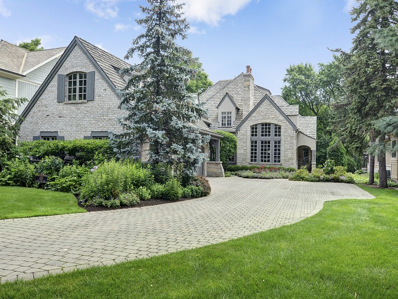 Single Family Home for Sale at 615 N. York Road 615 N. York Rd. Hinsdale, Illinois, 60521 United States