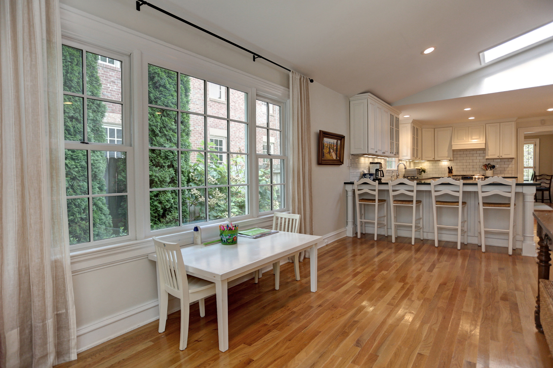 Additional photo for property listing at Charming Total Renovation In Chastain Park 4691 E Conway Drive NW Atlanta, Geórgia 30327 Estados Unidos