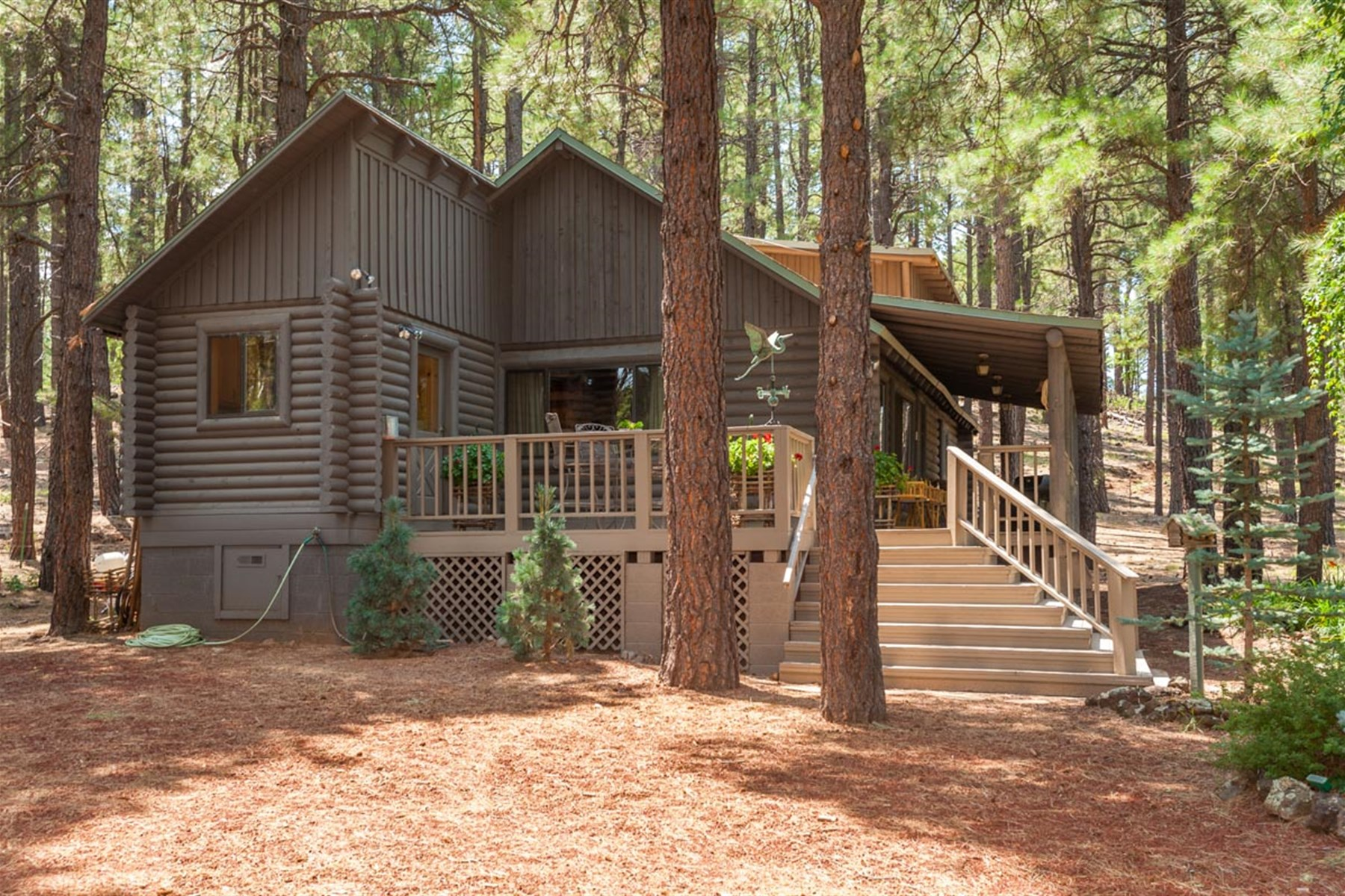 sales property at Lockett Springs Ranch is situated just 8 miles south of Williams City.