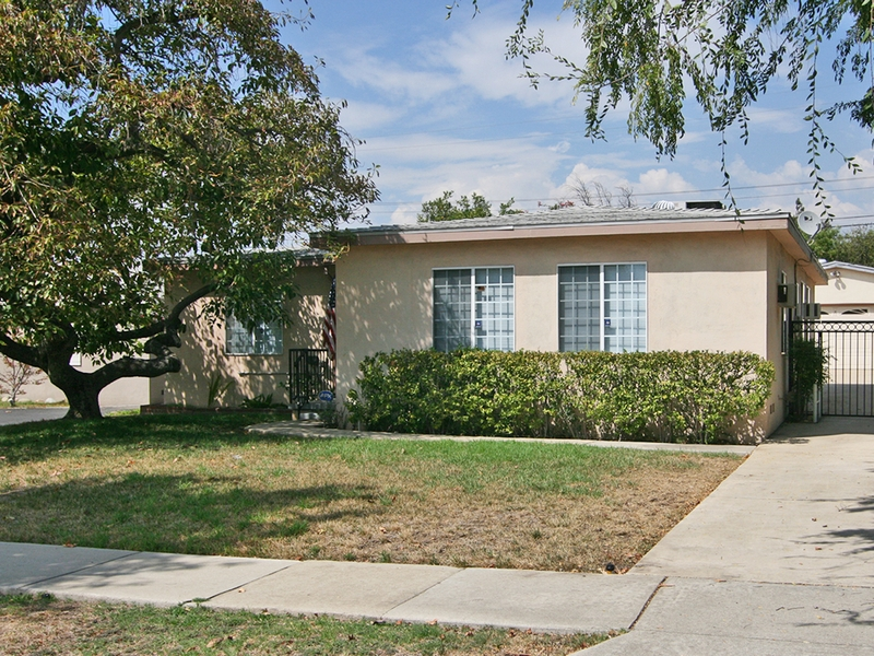 Single Family Home for Sale at 1051 Amador Street Claremont, California 91711 United States