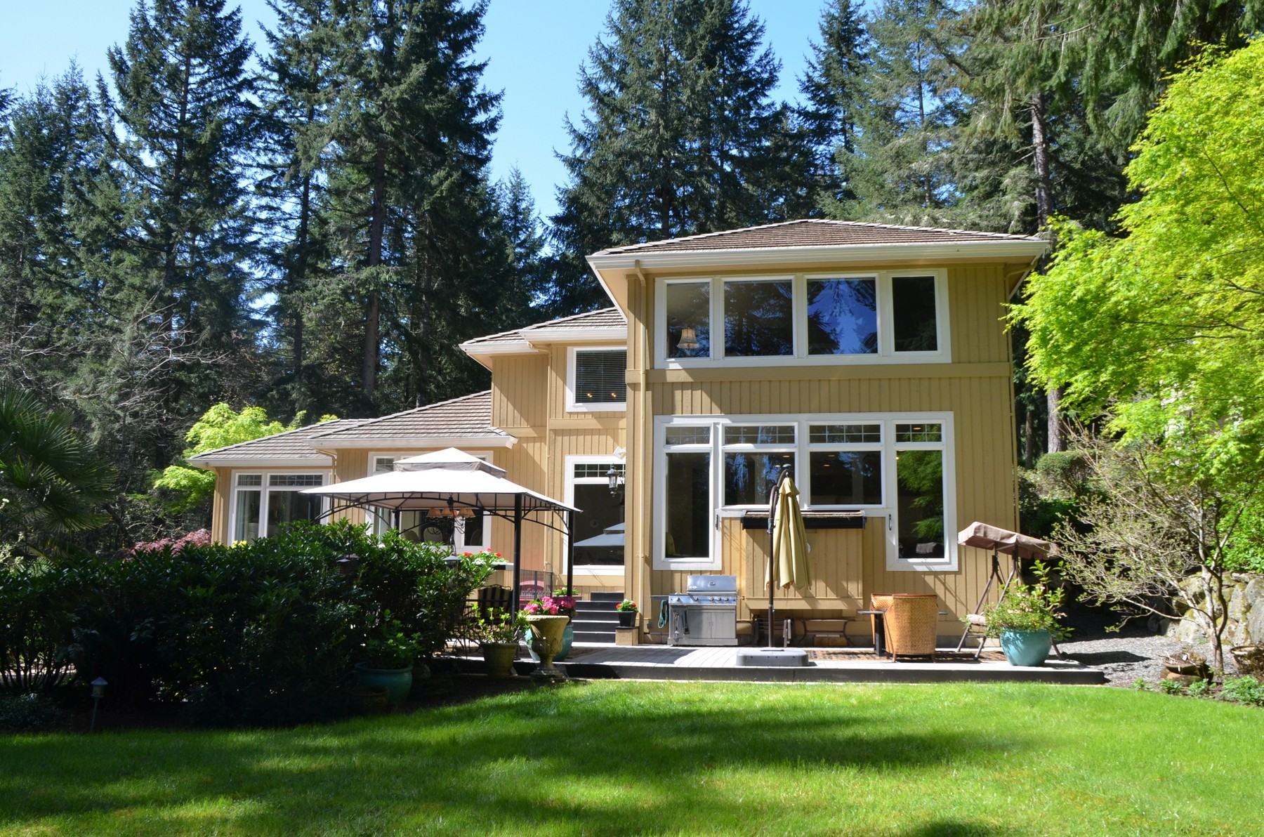 Maison unifamiliale pour l Vente à Canterwood 4824 Old Stump Dr NW Gig Harbor, Washington 98332 États-Unis