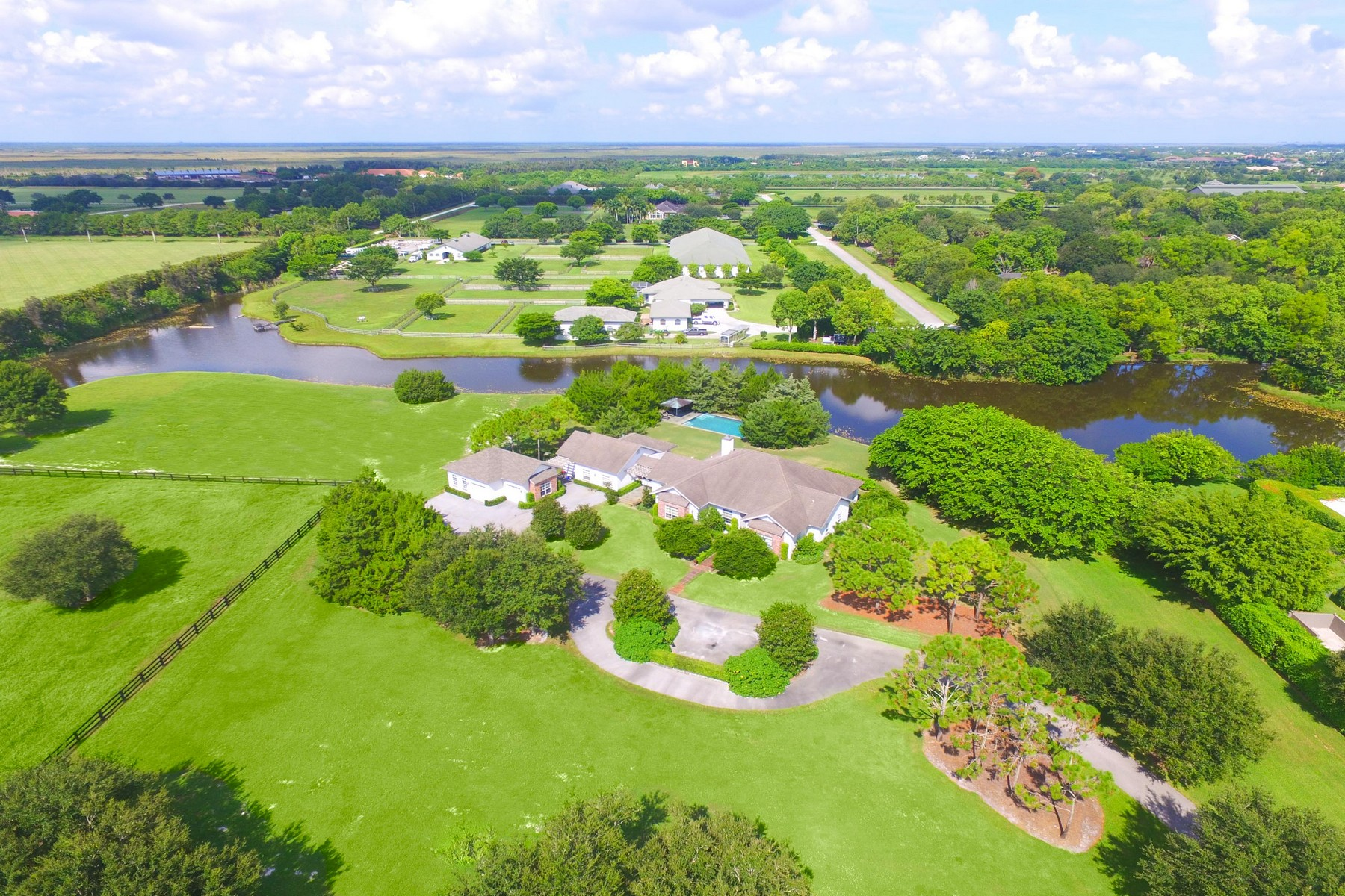 Maison unifamiliale pour l Vente à 5545 SOUTH SHORE BLVD Wellington, Florida, 33414 États-Unis