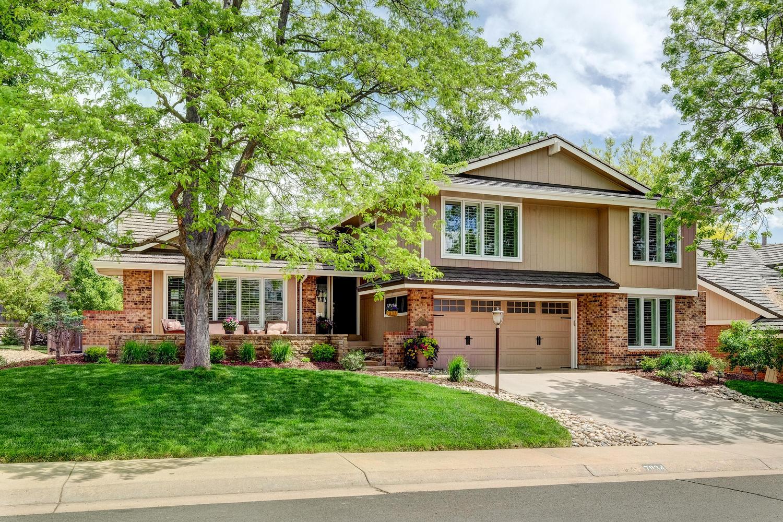 Maison unifamiliale pour l Vente à Heritage Greens 7834 S Eudora Circle Centennial, Colorado, 80122 États-Unis