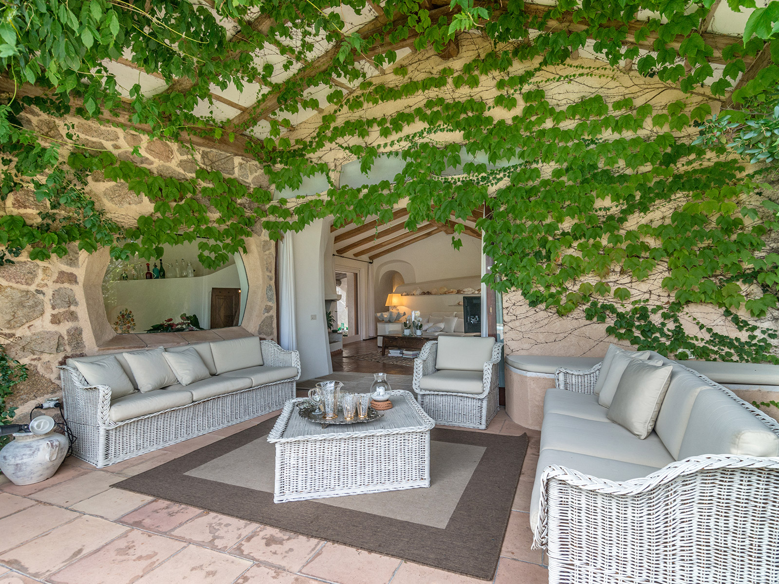 Additional photo for property listing at Magnificent sardinian style villa with private garden Via degli Stazzi Arzachena, Olbia Tempio 07021 Italy