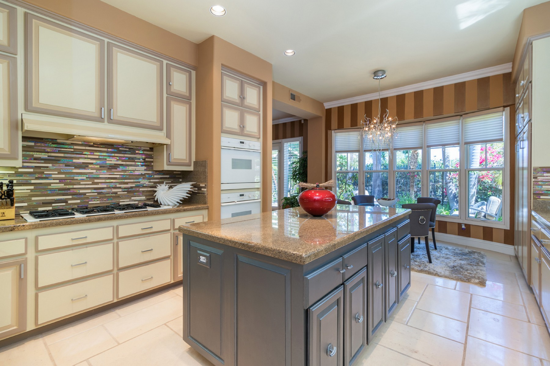 Additional photo for property listing at 7146 Tern Place  Carlsbad, Калифорния 92011 Соединенные Штаты