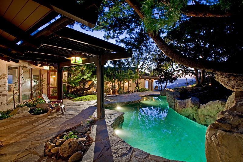 단독 가정 주택 용 매매 에 102 Vista Del Sol Laguna Beach, 캘리포니아 92651 미국