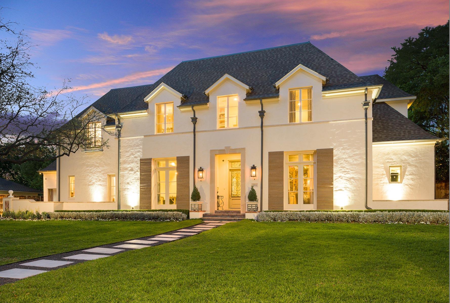 """Nhà ở một gia đình vì Bán tại Fresh """"Country French"""" with Modern Design 4911 Heatherbrook Drive Dallas, Texas, 75244 Hoa Kỳ"""