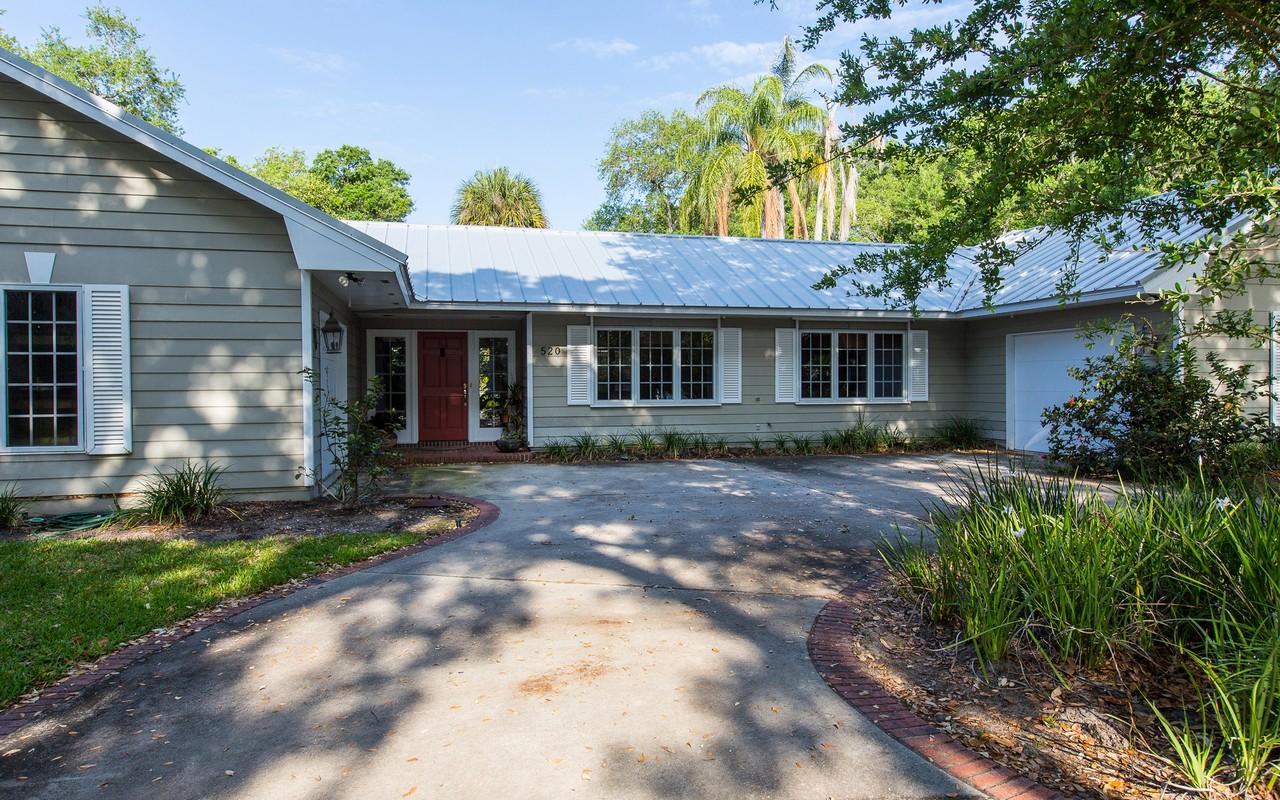 独户住宅 为 销售 在 Indian Trails 520 Sundance Trail 维罗海滩, 佛罗里达州, 32963 美国