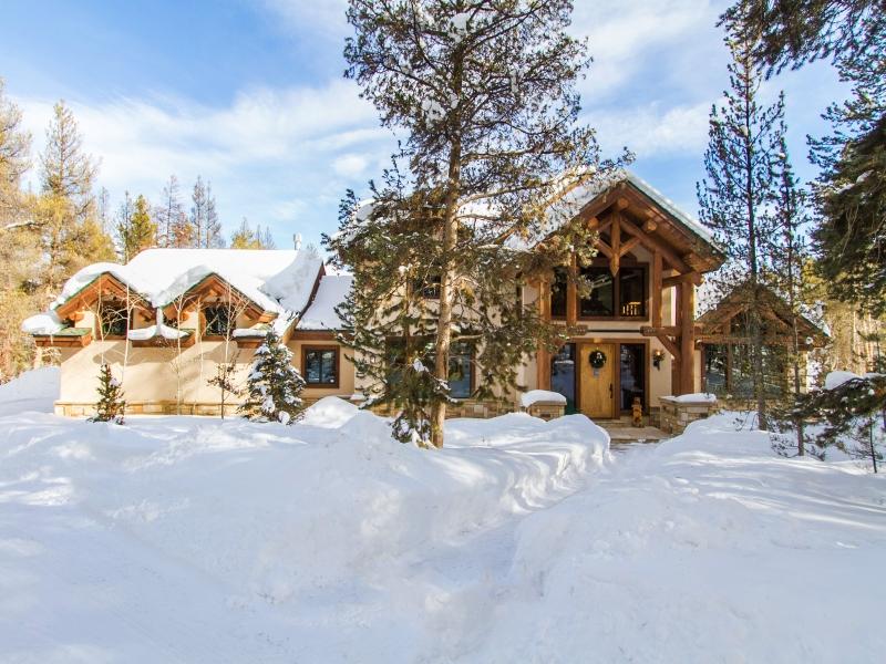 Single Family Home for Sale at Stunning custom home located in the prestigious Sunset Ridge Estates 1669 Sunset Blvd Tabernash, Colorado, 80478 United States
